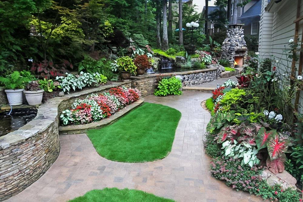 Landscaping Your Yard why you should hire a professional landscaping company to